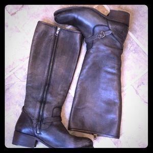 Frye Lynn knee high boots size 9 Strap Gray